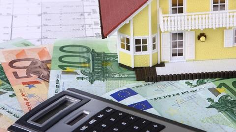 Mutuo fondiario – Difformità tra ISC/TAEG pattuito e ISC/TAEG applicato – Condanna della banca a restituire le somme in eccedenza pagate. Tribunale di Latina, Sentenza del 12 Marzo 2019.