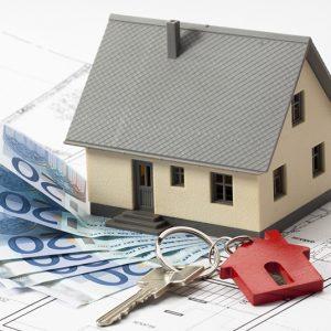 Il contratto di mutuo è nullo per violazione dell'art. 38 TUB essendo stato concesso per un importo eccedente l'80% del valore del bene ipotecato, desumibile dal prezzo di acquisto.