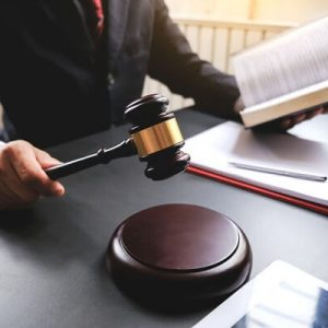 Sentenza di accertamento del saldo di conto corrente – Titolo legittimante giudizio monitorio – Concessione provvisoria esecutività – Tribunale di Torino, D.I. 4 febbraio 2020