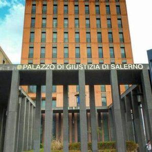 Tribunale di Salerno, Ord. del 29 ottobre 2020. Negata la provvisoria esecuzione del decreto ingiuntivo per nullità delle fideiussioni, in applicazione dell'art. 1957 c.c.